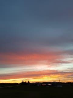 Sonnenuntergang in Sitterdorf (Bild: Reto Schlegel)