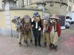 Danke an Leser Walter Waser für dieses Bild einer fasnächtlichen Herrengruppe in Altdorf ...