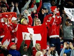 Auch in Dubai wurde Federer von den Fans gefeiert (Bild: KEYSTONE/EPA/ALI HAIDER)