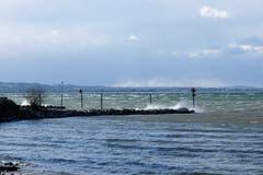 Der stürmische See. (Bild: Franz Häusler)