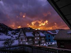 Schauspiel am Himmel nach dem Sturm über Nesslau. (Bild: Renato Maciariello)