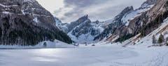 Der gefrorene Seealpsee im Appenzellerland. (Bild: Luciano Pau)