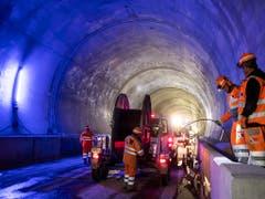 Der Bau des neuen Bözbergtunnels im Kanton Aargau geht in die Endphase. Die Bahntechnik wird eingesetzt. (Bild: KEYSTONE/ALEXANDRA WEY)