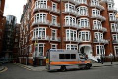 In diesem Gebäude lebte Assange sieben Jahre: die ecuadorianische Botschaft in London. (Bild: AP Photo/Matt Dunham)