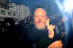 Julian Assange wird auf dem Weg zum Gerichtsgebäude fotografiert. (Bild: Photo by Jack Taylor/Getty Images)