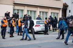Auseinandersetzungen zwischen Rechten und Antifaschisten.(Bild: Manuela Jans-Koch, Schwyz, 13. April 2019)
