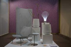 Weisses Ensemble aus Stuhl, Paravent, Leuchte und Vasen des Francesco Forcellini Design Studio.
