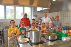 Das Küchenteam des Alterswohnheims Möösli ist für rund 45 Menüs verantwortlich.