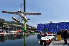 Die Cessna 185 (PK-MCB) – ein Wasserflugzeug der MAF – flog in 49 Jahren 185 Missionseinsätze in schwer zugänglichen Gebieten Borneos. Nach der Instandsetzung fürs Museum schwimmt es im Wasserbecken in der Arena des Verkehrshauses. Mit dem Pedalo werden die Besucher die Einsatzgebiete erkunden können.