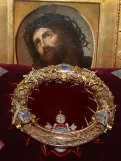 Die Krone ist eine der wichtigsten christlichen Reliquien. Sie befindet sich seit Montagabend im Pariser Rathaus. (Bild: Key)