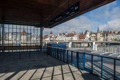 Der Ausblick aus dem innern der Landungsbrücke. (Bild: Dominik Wunderli, 17. April 2019, Luzern)