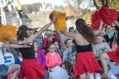 Die «Beach Girls» bringen Sommerstimmung nach Luzern. (Bild: Pius Amrein, Luzern, 20. April 2019)