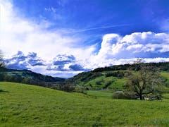 Interessante Wolkenformationen über Malters. (Bild: Urs Gutfleisch, 24. April 2019)