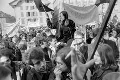 Am 1. März 1969 beteiligten sich über 5000 Frauen und Männer am «Marsch auf Bern», um für das Frauenstimmrecht zu demonstrieren. (Bild Joe Widmer/Keystone)