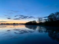 Sonnenaufgang am Bommerweiher. (Bild: Reto Schubnell)