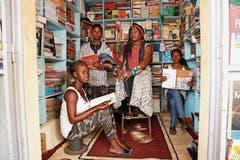 Frauen, wie die drei westafrikanischen Sängerinnen der Band Les Amazones d'Afrique, stehen an den Stanser Musiktagen zuverlässig oft auf den Bühnen.PD