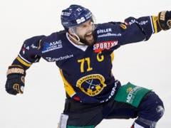 Langenthals Captain Stefan Tschannen - bei allen drei Titelgewinnen mit von der Partie und Torschütze der wichtigsten Goals in diesen Playoffs (Bild: KEYSTONE/MARCEL BIERI)