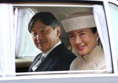 Der neue Kaiser Naruhito (links) und Prinzessin Masako. (Bild: AP Photo/Koji Sasahara)