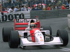 Ayrton Senna ballt die Faust nach einem seiner zahlreichen Siege am 31. Mai 1992 in Monaco (Bild: KEYSTONE/AP/JEAN-MARC FOLLETE)