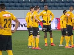 Werden die Young Boys am Donnerstagabend in Luzern wieder so ratlos sein wie hier nach dem 0:4 im Cup-Viertelfinal? (Bild: KEYSTONE/URS FLUEELER)