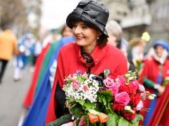 Alt Bundesrätin Ruth Metzler am Sechseläuten-Umzug 2019. (Bild: KEYSTONE/WALTER BIERI)