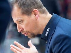 Der Bieler Headcoach Antti Törmänen konnte mit seinem Team die Wachablösung im Kanton Bern gegen den SC Bern noch (nicht?) vollziehen (Bild: KEYSTONE/MARCEL BIERI)