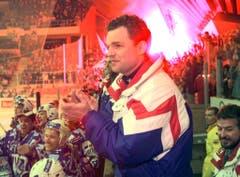 Meistertrainer Sean Simpson, mit Patrick Suter unten links. (Bild: Arno Balzarin/Keystone, Davos, 11. April 1998)