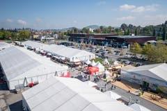 Die Sicht über das Luga-Messegelände vom Riesenrad aus (Bild: Urs Flüeler/Keystone, 1. Mai 2019)