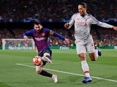 Duell auf höchster Ebene: Lionel Messi gegen Virgil van Dijk (Bild: Keystone/AP/Manu Fernandez)