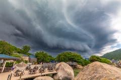 Gewitter auf der Insel Ko Nang Yuan Thailand.