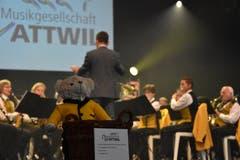 Die Musikgesellschaft Wattwil spielt zum Muttertag. (Bild: Ruben Schönenberger, 12. Mai 2019)