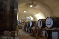 Gelagert wird das gebraute Bier unterhalb des Klosters.