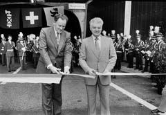 Die Einweihung der St.Galler Stadtautobahn im Sommer 1987 mit Regierungsrat Willi Geiger (rechts), dem damaligen Baudirektor des Kantons St.Gallen. (Bilder: Stadtarchiv der Ortsbürgergemeinde St.Gallen)