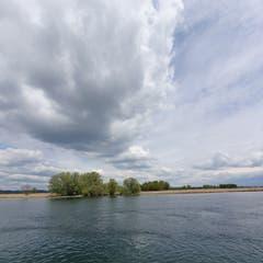 Bizarre, wilde Wolkenformation über Güttingen. (Bild: Stephan Lendi)