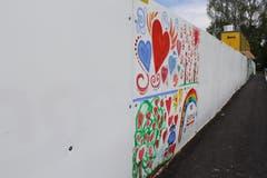 Wer sich kreativ an einem Teil der Wand beteiligen will, kann sich beim Seniorenzentrum melden. Interessierte müssen ihre Idee und den gewünschten Platz allerdings elektronisch einreichen.