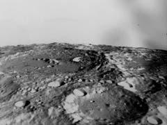 Apollo 10 kam dem Mond so nah wie keine andere bemannte Mission zuvor. Sie lieferte auch atemberaubende Aufnahmen der Mondoberfläche. Einige Filmaufnahmen entstanden mithilfe von Kameraobjektiven der ehemaligen Firma Kern, Aarau. (Bild: KEYSTONE/AP NY/NASA)