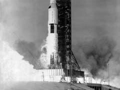 Am 18. Mai 1969 startet die Saturn-Rakete und mit ihr die drei Astronauten der Apollo 10-Mission Eugene Cernan, John Young und Thomas Stafford. (Bild: KEYSTONE/NASA/STR)