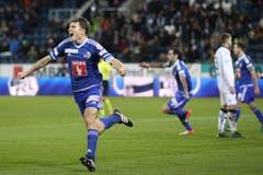 Lustenberger bejubelt das 2:1 im Super League Spiel zwischen dem FC Luzern und dem FC Lugano in der Swisspor-Arena Luzern. (Bild: Philipp Schmidli, 20. November 2016)
