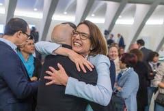 Susanne Vincenz-Stauffacher mit Stadtpräsident Thomas Scheitlin. Bild: Michel Canonica