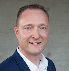 Christian Stricker begann mit einer KV-Lehre und ist heute Betriebswirtschafter. (Bild: Bilder: Gert Bruderer)