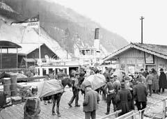 Kurz nach Ausbruch des ersten Weltkrieges wurde die «Rhein» für Truppentransporte (hier in Alpnachstad) eingesetzt. (Bild: Archiv Kurt Hunziker)
