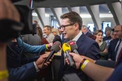 Im Zentrum des medialen Interesses: Benedikt Würth. Bild: Michel Canonica