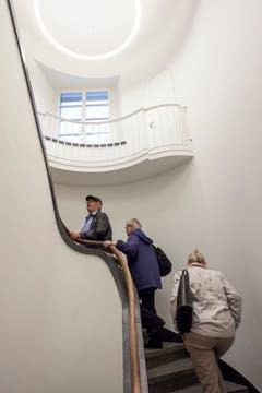Über die Treppe führt der Rundgang in die oberen Stockwerke. Bilder: Edi Ettlin (Stans, 21. Mai 2019)