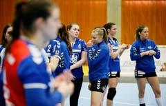 Die Spielerinnen des LK Zug sind nach dem Match enttäuscht. (Bild: Stefan Kaiser, Zug, 22. Mai 2019)