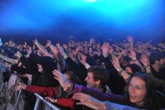 Begeisterte Fans beim Konzert von Bligg in Erstfeld. (Bild: Urs Hanhart, 25. Mai 2019)