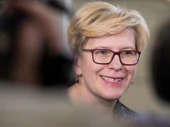 Im Abstimmungsduell um das höchste Staatsamt in Litauen: die ehemalige Finanzministerin Ingrida Simonyte... (Bild: KEYSTONE/AP/MINDAUGAS KULBIS)