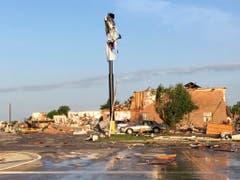 Der Tornado hinterliess eine Schneise der Verwüstung: Das hier war einmal ein Motel. (Bild: KEYSTONE/AP/TIM TALLEY)