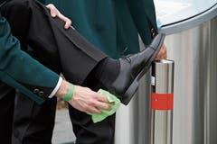 Schuhe putzen vor dem Wettspiel: Jedes Detail muss stimmen.