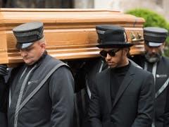 Unter den trauernden Gästen befand sich auch Formel-1-Weltmeister Lewis Hamilton (mit Brille) (Bild: KEYSTONE/EPA/MICHAEL GRUBER)