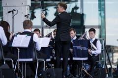 Die BML-Talents untermalten den Anlass ebenfalls musikalisch – doch ab morgen spielt die Musik auf dem Rotsee. (Bild: Manuela Jans-Koch/Luzerner Zeitung, Luzern, 30. Mai 2019)